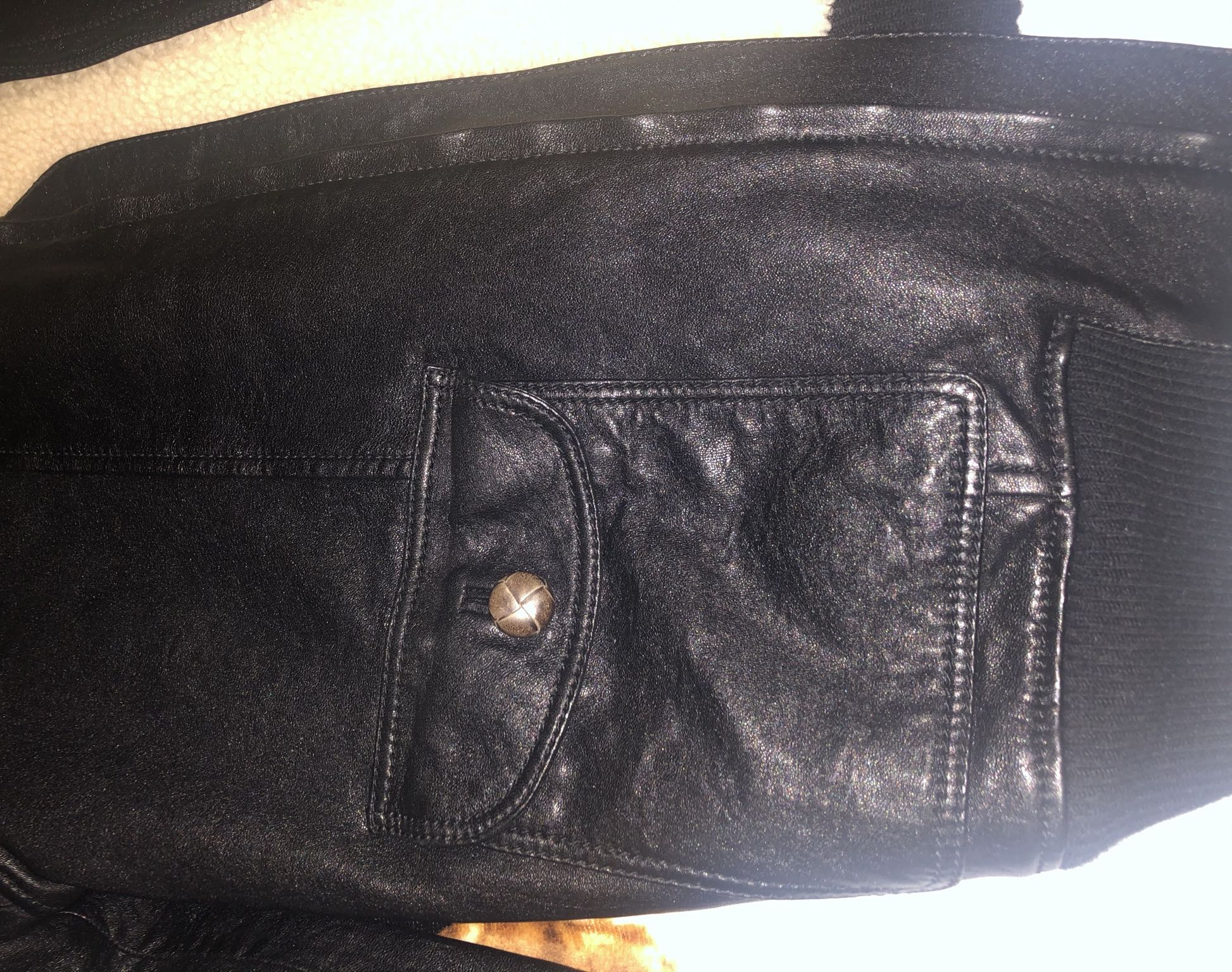 Leather jacket with shearlingGucci5
