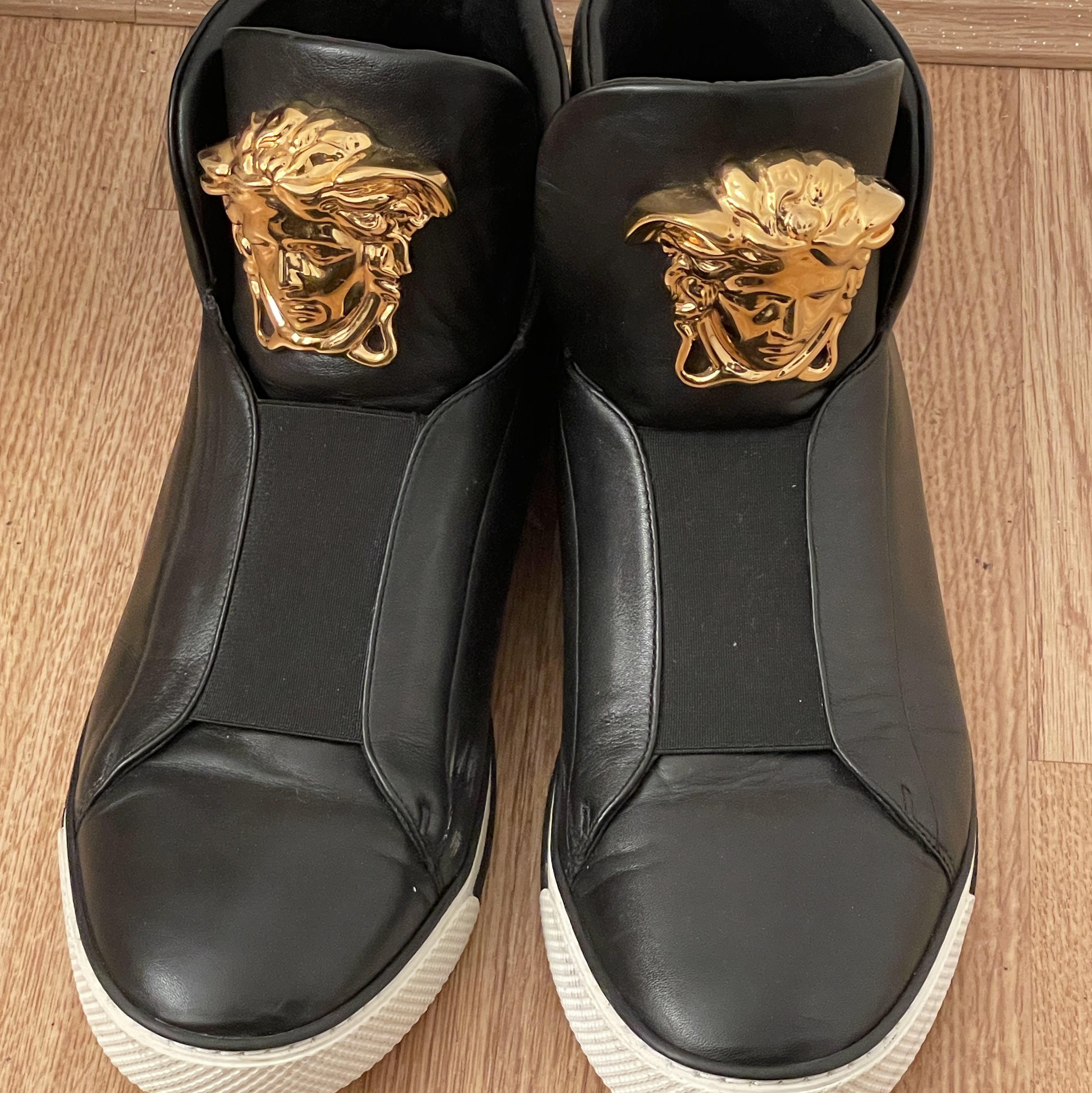 Genuine and authentic Versace ankle boots Versace5